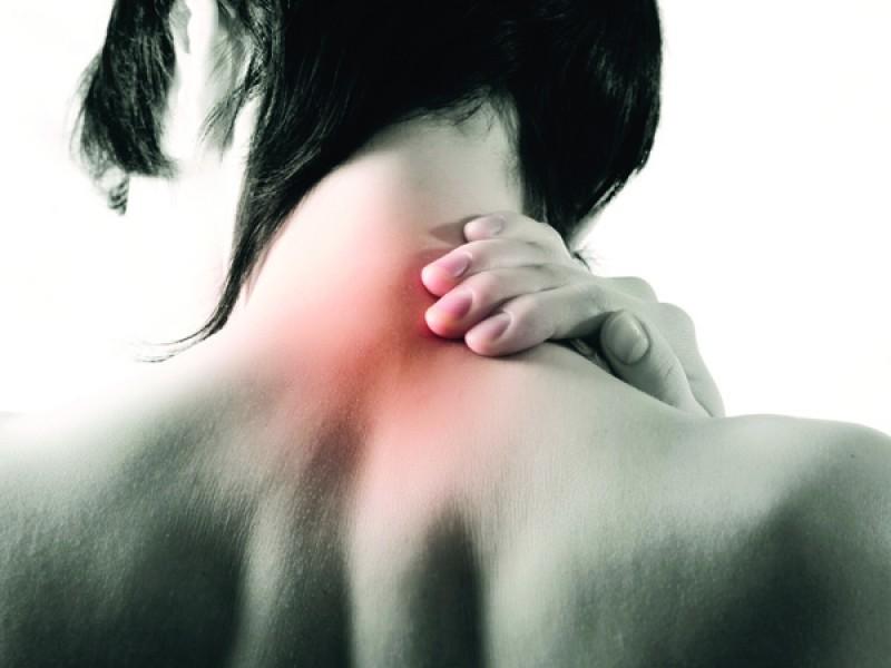 douleurs dans les muscles du haut du dos et des paules orthopedie pour tous. Black Bedroom Furniture Sets. Home Design Ideas